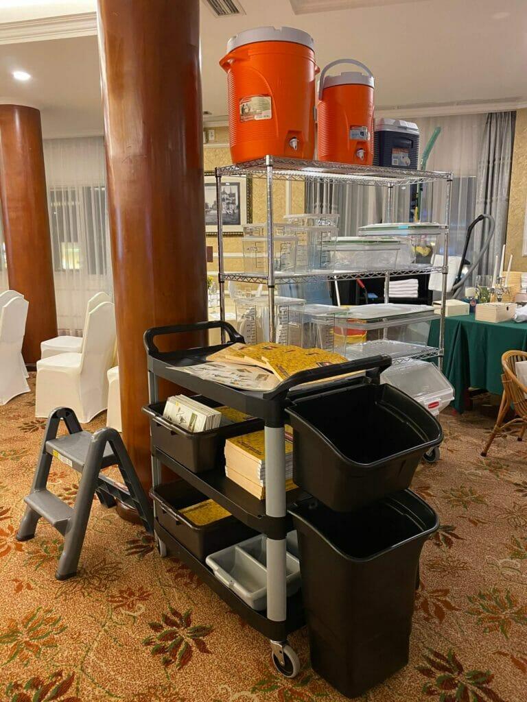 dụng cụ vệ sinh tại khách sạn rex