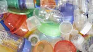 Sản phẩm không làm từ hạt nhựa nguyên sinhh